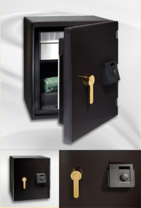 Black high glossy safe (small)